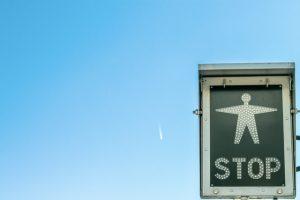 Stop_(c)_ddp_unsplash